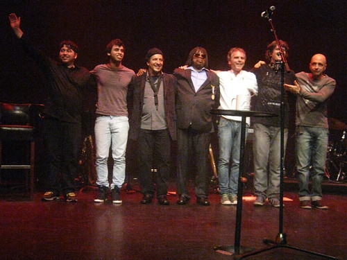 Milton Nascimento (2013) 12 - with band