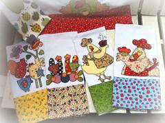 PaNoS De PrAtO (DoNa BoRbOlEtA. pAtCh) Tags: handmade application patchwork galinhas aplicao panosdeprato donaborboletapatchwork denyfonseca