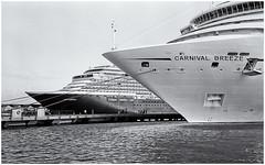 CARNIVAL BREEE (Black and White Fine Art) Tags: blackandwhite blancoynegro boat barco minolta kodak oldsanjuan puertorico sanjuan kodaktrix viejosanjuan transatlantic minoltahimatic7s transatlantico kodakd76 blackandwhitefineart silverefexpro2 carnivalbreeze