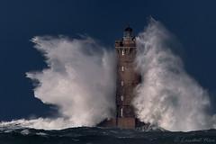 _4LN9341-le Four (Brestitude) Tags: lighthouse brittany wake bretagne vague phare argenton lefour porspoder