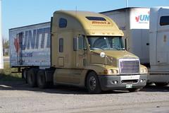 e03 10042007 Ottawa, Ontario Canada ©Ian A. McCord (ocrr4204) Tags: ontario canada truck kodak ottawa camion vehicle pointandshoot mccord trucking z740 ianmccord ianamccord
