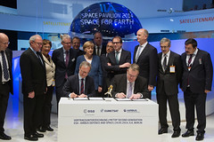 Signature MetOp Second Generation (europeanspaceagency) Tags: berlin space pavilion signing angelamerkel metop jeanjacquesdordain ila2014 berlinairandspaceshow