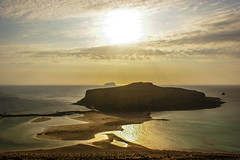 Liquid gold (Housetier84) Tags: sunset sea sun beach strand greek meer sony kreta 350 crete alpha griechenland sonne mittelmeer allein traumstrand alpha350