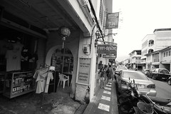 IMG_9935 (Raypower) Tags: singapore phuket cruise royalcaribbean mariner hawkermrkets botanichardens gardens marinabaysands marina sands patong karon escher museum oldtown chinatown canal flower butterfly prayer elephant cockles popiah rojak green