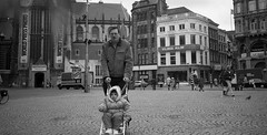 Lost & Found - Amsterdam - May 1996 - Family Photo Album - 066 (Andre's Street Photography) Tags: amsterdam damsquare damplein nieuwekerk worlspressphoto 1996 may andrevanvegten downtown zwartwit blackandwhite bwphotography filmphotography filmfotografie noiretblanc blancoynegro ftbn canon