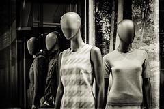 Gae Aulenti 59 - Showroom dummies (-dow-) Tags: dummies manichini mannequins milano piazzagaeaulenti showroom showroomdummies vetrina shopwindow fuji xe1 xf3514