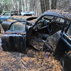 DSC_0346 v2 (collations) Tags: ontario mcleansautowreckers autowreckers wreckers automobiles autos abandoned rockwood derelict junkyards autograveyards carcemeteries