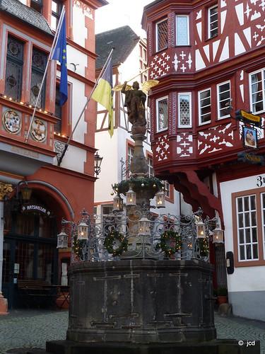 Mosel zwischen Bernkastel-Kues und Kröv