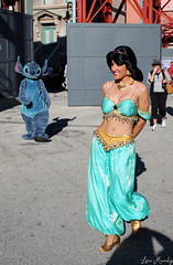 Jasmine and Stitch (disneylori) Tags: stitch princess jasmine disney disneyworld characters wdw liloandstitch waltdisneyworld disneyprincess streetsofamerica hollywoodstudios facecharacters nonfacecharacters meetandgreetcharacters aladdincharacters liloandstitchcharacters disneychararacters