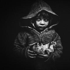 (jorrismartinez) Tags: portrait blackandwhite black paris france art texture intense flickr noir photographie noiretblanc lumire yeux reflet contraste monde animaux enfant bizarre regard dur ambiance motion artlibres jorrismartinez