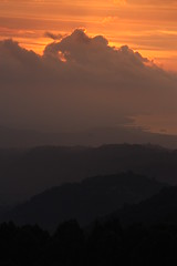 coucher de soleil  Munduk (Bali) (thiery49) Tags: sunset sea bali sun mer sunlight mountains montagne indonesia soleil coucher indonesian balinese indonsie munduk balinais indonsien balianis