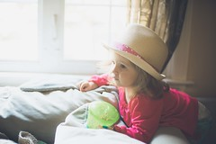 """watching the """"wee wee"""" (TV) (Francesca Russell) Tags: lila age1"""