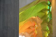 Sagrada Familia - Barcelona (cpcmollet) Tags: light espaa color detail building luz church beauty architecture temple spain arquitectura nikon europa europe colours interior religion places catalonia ceiling historic holy architect gaudi catalunya glise antoni llum espanya expiatory catholicisme