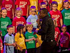 L'art subtil de maîtriser une chorale d'enfants (Emmanuel Cattier -) Tags: france choir strasbourg vocals gospel chor chant chorale gesang gospelkids ef75300mmf456usm 1000d canon1000d