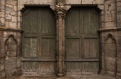 Portes de la cathdrale saint-Etienne, face sud (Cahors, Lot) (Tho_S) Tags: automne noiretblanc pierre lot cathdrale porte eglise cahors urbain saintetienne portail quercy