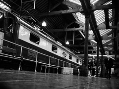 Platform 3 (raspu) Tags: uk inglaterra england love train liverpool bench manchester tren lost waiting amor platform banco warehouse cotton espera perdido anden algodon