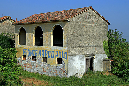 House for abandonment in areas of Venice