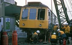81334-W51403 Twyford (81B) Tags: twyford railwayaccident class117 l423 w51403