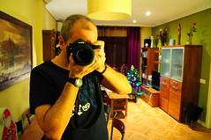 Navidad en casa (Ripley1969) Tags: selfportrair autoretrato madrid españa spain cámara nikon d90 espejo mirror reflejo reflex navidad christmas hogar home casa house warm cálido acogedor friendly welcoming