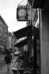 DSC_0362 (Mauro Mu) Tags: street people blackandwhite bw london blackwhite candid streetphotography londra bnw blackandwhitephotography