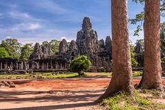 Khmer smile, Cambodia (jiangliu24680) Tags: ruins cambodia khmersmile