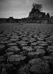 Dry Lake (CephaloviA (Hussain Al-Kahtani)) Tags: white 3 black monochrome photoshop note galaxy saudi arabia express thirst asir  dryness            snapseed vscocam 3