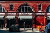 Red Garden (Walimai.photo) Tags: red brick ladrillo london station garden lumix rojo metro tube panasonic covent londres lx5