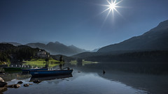 Lake St. Moritz (schneider-lein) Tags: stmoritz engadin schweiz switzerland suisse lake see boot boat berge mountain carlzeiss loxia2821 loxia sony alpha7ii a7ii ilce7m2 landscape natur nature sun sunrise mf manual manualfocus manuell manuellerfokus loxia2128 zeiss