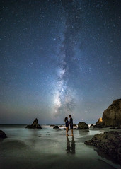 One of those star lit nights (Eric Zumstein) Tags: elmatador milkyway longexposure stars people nightphotography ocean beach night malibu