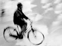 P2820608 (gpaolini50) Tags: emotive esplora explored explore emozioni explora emotion emotivestreet bw biancoenero bianconero blackandwhite dinamicita dinamismo dynamic photoaday photography photographis photographic photo phothograpia pretesti