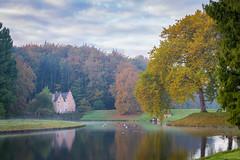 Tervuren, Spaans huis (crispin52) Tags: belgium tervuren park spanishhouse nature autumn trees colors lake nikon landscape