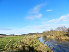 River Deveron, near Huntly, Aberdeenshire, Nov 2016 (allanmaciver) Tags: river deveron huntly aberdeenshire blue sky water beside low view fence curve rural clouds allanmaciver
