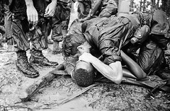 #A trooper of the 101st Airborne Division attempts to save the life of a buddy at Dong Ap Bia Mountain, near South Vietnam's A Shau Valley on May 19, 1969. [1200 x 784] #history #retro #vintage #dh #HistoryPorn http://ift.tt/2h6cdEn (Histolines) Tags: histolines history timeline retro vinatage a trooper 101st airborne division attempts save life buddy dong ap bia mountain near south vietnams shau valley may 19 1969 1200 x 784 vintage dh historyporn httpifttt2h6cden