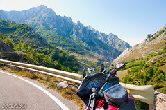 PICOS DE EUROPA (DOCESMAN) Tags: picosdeeuropa asturias cantabria espaa spain honda deauville nt700v docesman danidoces montaa mountain route road carretera