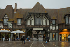 33-Deauville (Pierrokaphoto) Tags: march colombages terrasses normandie
