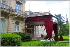 Hoteleingang in Baden-Baden (Dieter14 u.Anjalie157) Tags: hotel fenster rastatt 5sterne hoteleingang bbaden