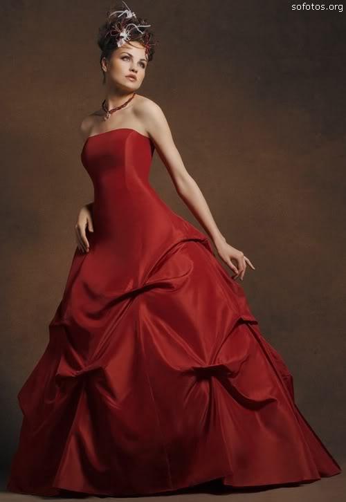 Vestido de noiva tomara que caia vermelho