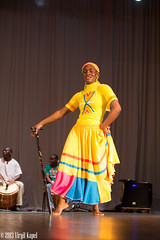 _MG_7448 (Virgil Kapel) Tags: red portrait music woman black art dance galen native belize indian performance caribbean creole suriname mestiza paramaribo universit carifesta galenuniversity
