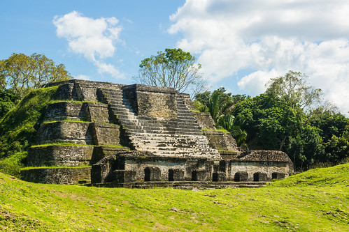 Pyramide Maya de Belmopan au Belize