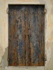 Una Finestra - A Window (r_evolution63) Tags: wood old muro window colors wall paint finestra colori chaps paints legno vernice vernici vecchio chap varnish screpolature