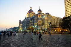 Mumbai (Gedsman) Tags: city india traditional culture mosque bombay gateway metropolis tradition mumbai hindu maharastra cultural gatewayofindia elephanta tajmahalhotel elephantaisland dhobighat