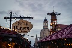 Weihnachtsmarkt Dresden 2013 (SiebenDeluxe) Tags: christmas light night canon germany weihnachten deutschland 50mm licht dresden nacht weihnachtsmarkt beleuchtung striezelmarkt