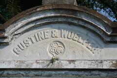 Gustine and Woelper top