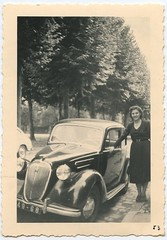 vroouuuummmmmm (desfemmesetdesvoitures@yahoo.fr) Tags: auto old woman white black cars car sedan vintage wagon photo und mujer women noir photos femme voiture nb des collection coche autos frau dame et mujeres fille blanc coches filles femmes dona voitures ancienne cabriolet oldy dames anciennes wagen oldys wagens bw conductrice conductrices desfemmesetdesvoitures