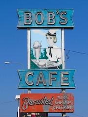 Bob's Cafe (altfelix11) Tags: southdakota neonsign siouxfalls 12thstreet vintagesign vintageneonsign cafesign bobscafe vintagecafesign oldusroute16 oldhighway16
