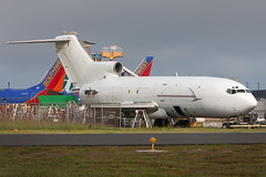 727-200_KPAE_2994 (Mike Head - Jetwashphotos) Tags: usa america out us washington end boeing 727 parted pae 727200 painefield kpae