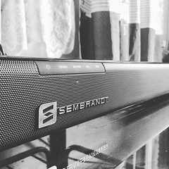 Got my soundbar #sembrandt very good for a cheap price. Salamat. @kimstoreph @technopopph (jecstrike) Tags: instagramapp square squareformat iphoneography uploaded:by=instagram moon