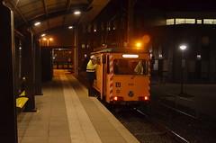 29.10.2016 (III); Poetsen in Utrecht (chriswesterduin) Tags: evag 652 sun sunij sneltramutrecht utrecht tram werktram strukton