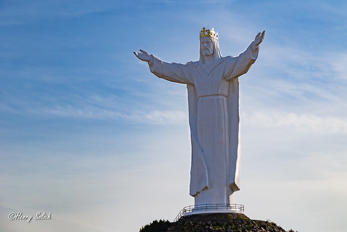 The largest Jesus statue