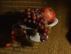 Still life (francesca_siccardi new profile) Tags: grape grappolo glass studio homephotography nikon3200 nikon vimini vinorosé pomegranate melagrana wine bodegon vino uva stilllife naturamorta